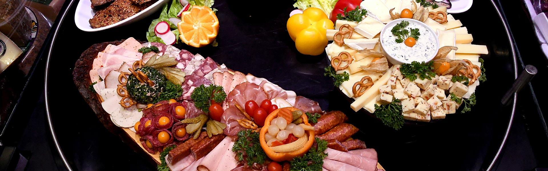 Wurst- und Käseplatten von EDEKA Odenbach