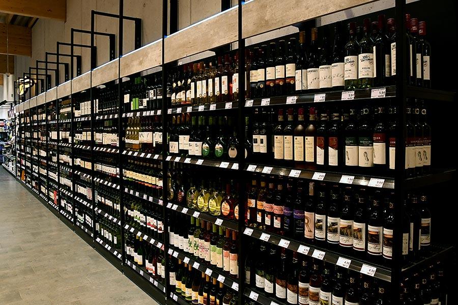 Wein von Supermarkt EDEKA in Weyarn